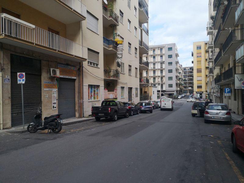 Bottega 30 mq - pressi Viale Vittorio Veneto su Via Genova - CT