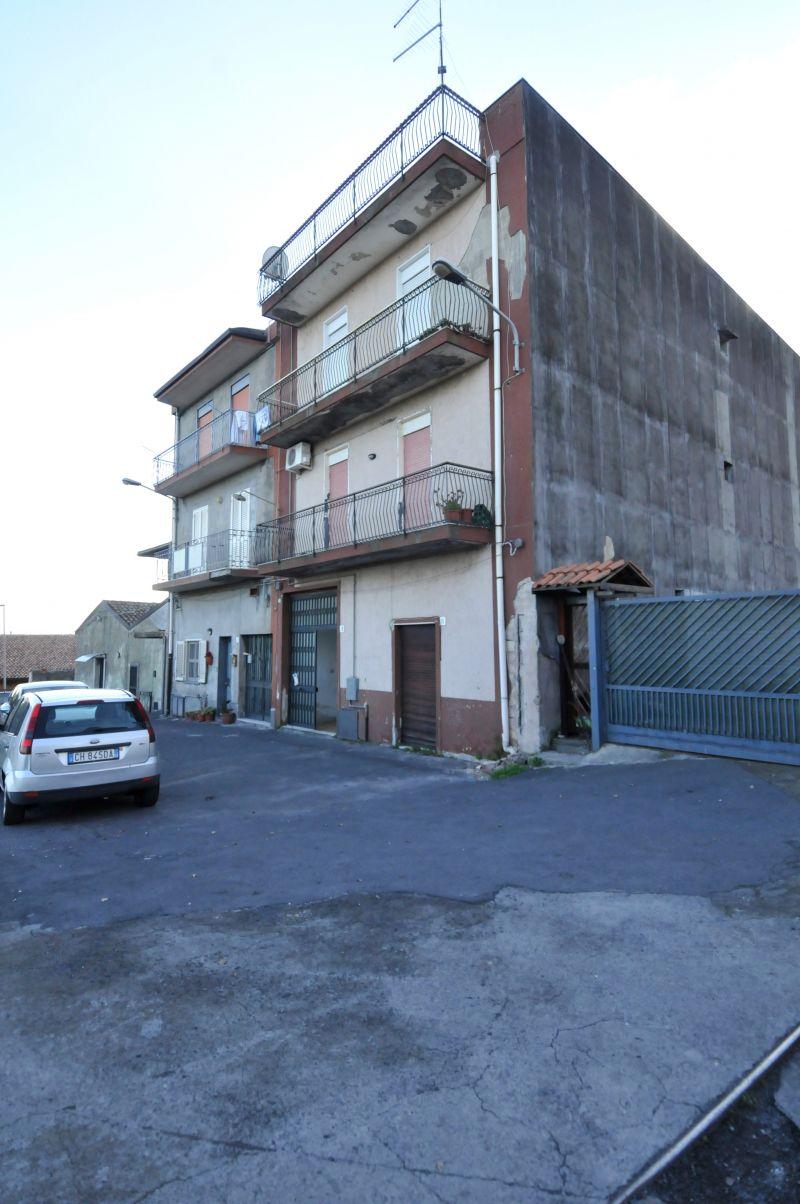 Appartamento 4 vani - Vico Tomasello - San Pietro Clarenza (CT)