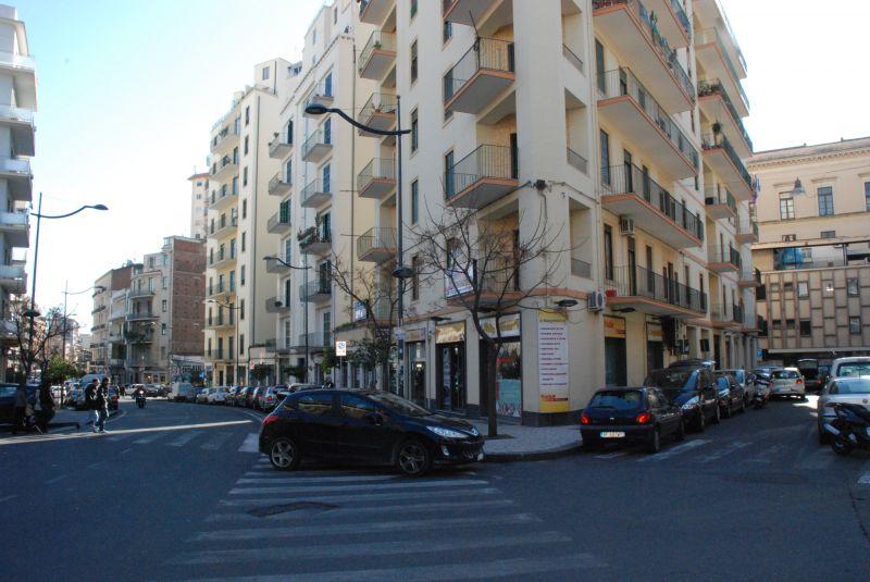Ufficio 250 mq vani - pressi Corso Italia/Provincie/ viale Vittorio Veneto adiacente Palazzo Scienze - CT